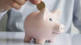 Trotz Negativzinsen wird mehr gespart – ein Widerspruch?