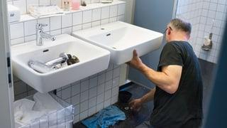 Angebliche Notfall-Sanitäre nehmen Kunden aus (Artikel enthält Audio)