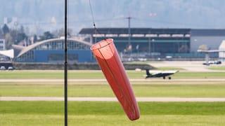 Anrainergemeinden wollen Flugplatz Dübendorf selber betreiben. Die Stimmberechtigten unterstützen diese Pläne klar.
