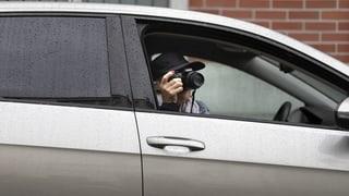 PRO & CONTRA: Detectivs socials