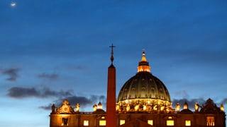 Papst geht, neuer Bankenchef kommt