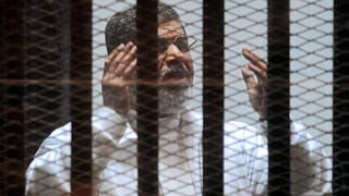 Lebenslange Haft gegen Ex-Präsident Mursi aufgehoben