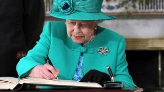 Das grosse Mysterium um die Haltung der Queen