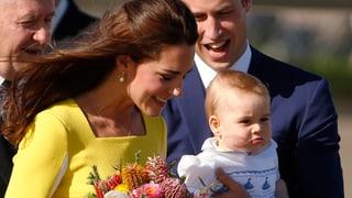 Schichtwechsel: Kate trägt Blumen, Prinz William trägt George
