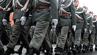 Wehrpflicht oder Berufsarmee? Österreicher entscheiden