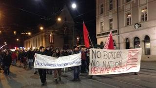 Gegner der SVP-Initiative demonstrieren in mehreren Städten