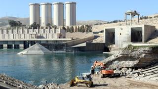 Brüchiger Staudamm: Hunderttausende von Flutwelle bedroht