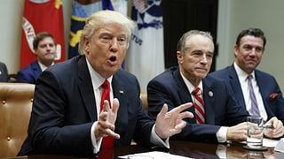 Pervi dad  «Obamacare»: Trump smanatscha als republicans