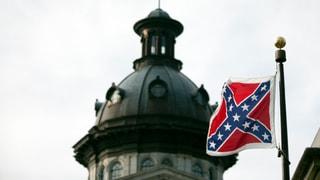 Die Konföderierten-Flagge wird eingeholt