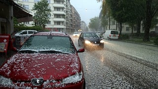 Hagelunwetter hielten Gebäudeversicherung auf Trab