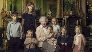 Neue Fotos zeigen die Queen und ihre Lieblinge