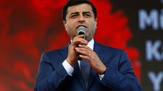 Tirchia: Procura publica pretenda praschun per politichers da HDP