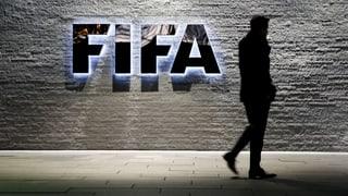 Blatter verlässt Fifa-Hauptquartier durch die Hintertür
