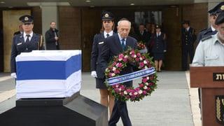 Israel verabschiedet sich von Ariel Scharon