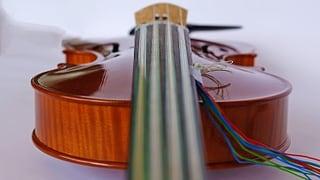 Die verkabelte Geige