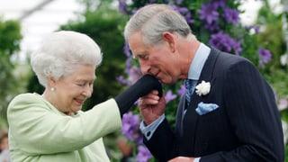 Der Anfang vom Ende? Queen Elisabeth schickt Prinz Charles vor