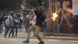 Mindestens zwölf Tote bei nächtlichen Unruhen in Caracas