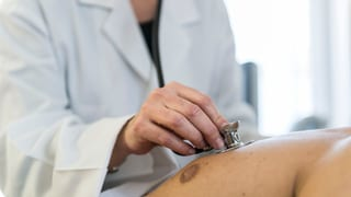 Bundesrat überlässt den Kantonen Ärztesteuerung