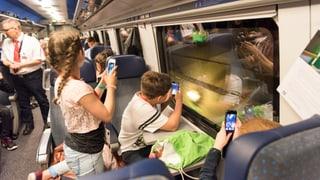 Audio «Kinder filmen aus dem Zugfenster» abspielen.