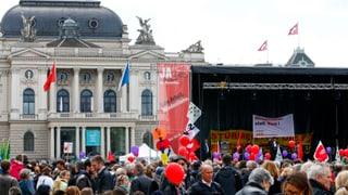 Tausende marschierten zum 1. Mai