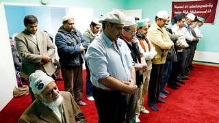 Die Polizei schickt Brückenbauer in die Moscheen