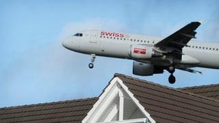 Auch das neue Betriebsreglement rund um den Flughafen Zürich ist umstritten. Eine Gemeinde stemmt sich dagegen.