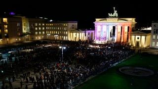 Mahnwache in Berlin für Pariser Terror-Opfer