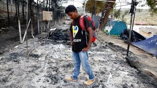 Flüchtlinge kehren trotz Schutt und Asche nach Moria zurück