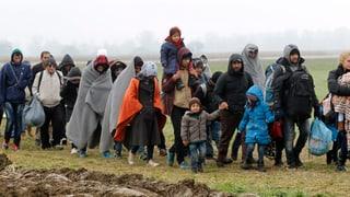 EU wirft Notanker im Flüchtlingsstrom