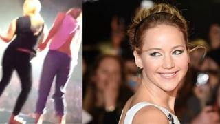 Jennifer Lawrence tanzt auf Billy Joels Flügel