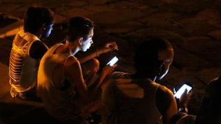 Kubaner holen sich die Welt nach Hause