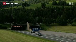 68'000 Unterschriften gegen zweite Gotthard-Röhre eingereicht