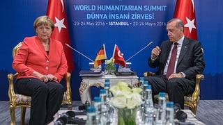 Merkel stellt Visafreiheit für Türken infrage