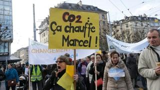 Tausende gehen für das Klima auf die Strassen