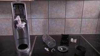 Sprudelflasche explodiert: Frau im Gesicht verletzt
