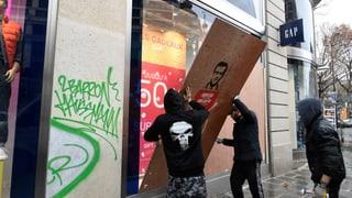 Millionenschäden für Frankreichs Wirtschaft (Artikel enthält Video)