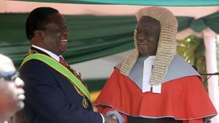Emmerson Mnangagwa als Zimbabwes Präsident vereidigt