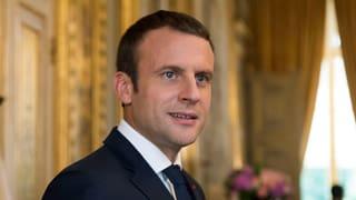 Frankreichs Präsident Emmanuel Macron hat seine erste Regierungsumbildung abgeschlossen. Drei Frauen rücken nach.
