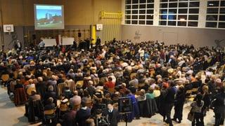 Buhrufe und Pfiffe gegen Asylzentrum in Giffers