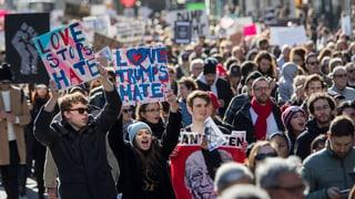 Tausende marschieren zum Trump-Tower in New York