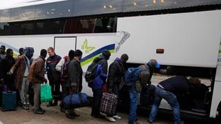 Calais: Rumida dal champ da fugitivs ha cumenzà