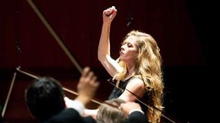 Dirigentinnen erobern sich ihren Platz am Pult