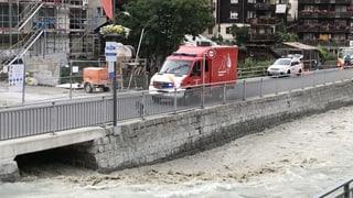 Schmelzender Gletscher macht Bach zum reissenden Fluss