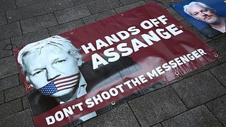 Juristen fordern Schweizer Asyl für Julian Assange