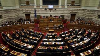 Griechische Regierung stimmt zähneknirschend für Reformen