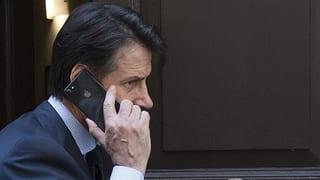 Euro-Skeptiker Savona bringt Giuseppe Conte ins Dilemma