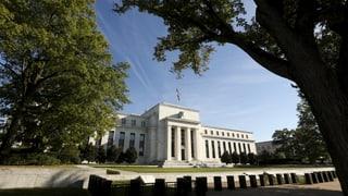 Fed belässt Zinsen auf Tiefstand