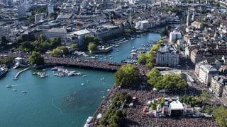 Eine Million Raver tanzen durch Zürich
