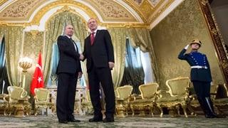 Es ist der dritte Besuch in Folge. Erdogan und Putin arbeiten wieder zusammen. Fragen und Antworten zu den russisch-türkischen Beziehungen.
