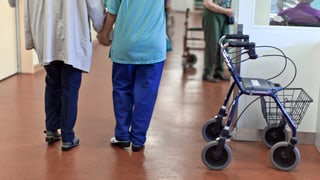 Pflegekosten: Ist eine Versicherung für alle die Lösung?